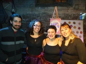 """Espectáculo """"3 Mujeres Desnudas"""" junto a Uma (Voz y canciones), María Laura Pintos (Poesía) y Agustín Pardo (Guitarra)-Bar Arte """"El Tartamudo"""" - Junio 2013"""